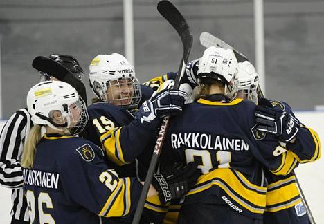 Espoo Blues juhli voittoa Kärpistä lauantaina.