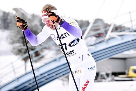 Iivo Niskanen johti lauantain kilpailua alusta loppuun.
