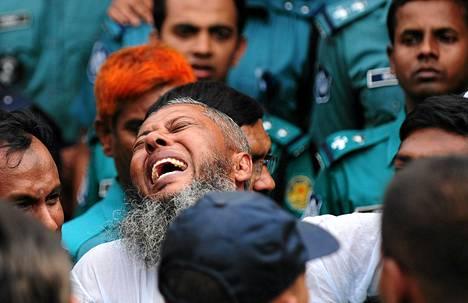 Bangladeshilaisille rajasotilaille luettiin tuomiot Dhakassa tiistaina.