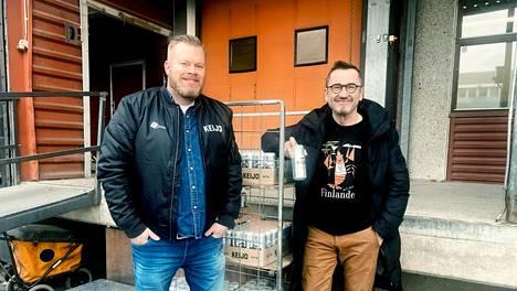 Kontulan oluttehtaan osakkaita: Matti Pesonen ja Jukka Kurttila.