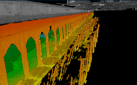 Katajanokan holvikaaret paljastuivat monikeilauksella. Kyseessä on kaikuluotausmenetelmä, jonka avulla voidaan kartoittaa vedenalaisia rakenteita.