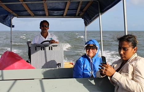 Suomalais-brittiläisillä rahoilla tuettiin veneliikennettä Nicaragua-järvellä. Joulukuussa 2012 Meyling Boniche (oik.) oli matkalla San Carlosista Solentinamen saarille.