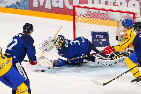Veini Vehviläinen oli vahvassa vireessä Ruotsiakin vastaan.