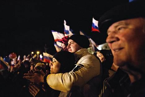 Vaalijuhlintaa Leninin aukiolla Simferopolissa.