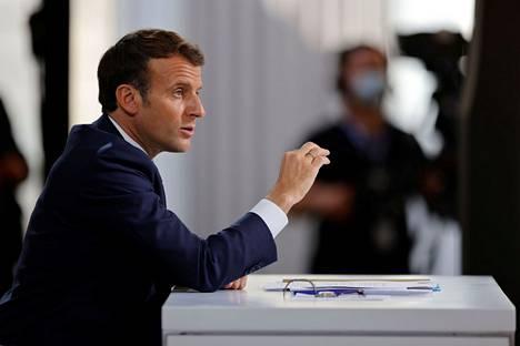Ranskan presidentti Emmanuel Macron torstaina lehdistötilaisuudessa Pariisissa.