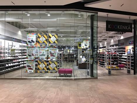 Kesko ilmoitti viime vuoden lopulla luopuvansa kenkäkauppaketju Kookengästä. Ketjun Ison Omenan myymälässä on menossa loppuunmyynti.