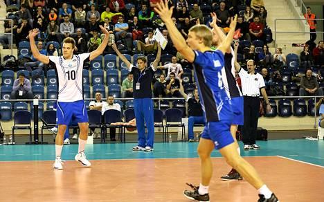 Lentopallomaajoukkueella oli aihetta juhlaan MM-karsintaottelussa Kreikkaa vastaan.