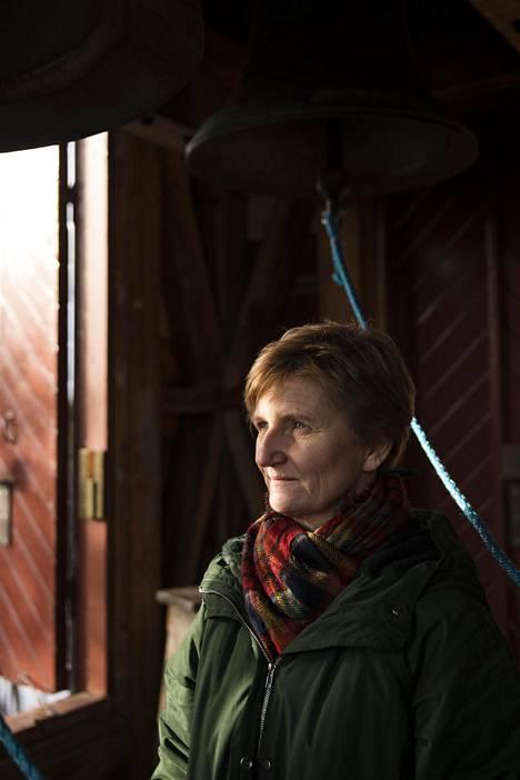 Kirjailija-toimittaja Minna Lindgren tekee koronalibreton viikoissa.