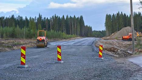 Isojoentien parannukseen on saatu rahaa kolme miljoonaa, mutta se riitti vain kuuden kilometrin kunnostukseen 27 kilometrin sijaan.