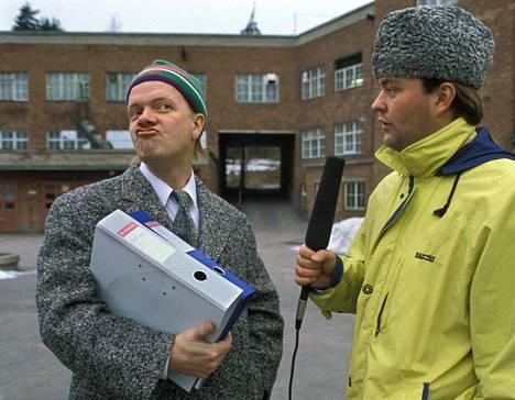 Heikki Silvennoinen ja Olli Keskinen esiintyvät Kummelissa, jota esitettiin Yle TV2:ssa. Kuva vuodelta 1992.