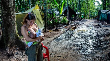 Angelina on yksi sadoista entisistä Farc-sisseistä, joka on saanut lapsen sen jälkeen kun Kolumbia ja sissijärjestö solmivat rauhan.