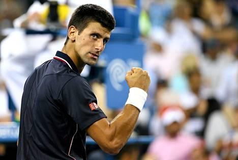 Novak Djokovic eteni US Openin välieriin.