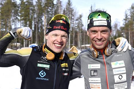 Äänekosken SM-hiihdoissa Perttu Hyvärinen (oik.) voitti Iivo Niskasen kanssa sprinttiviestin mestaruuden.