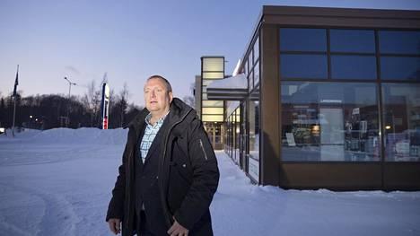 Entisen autotarvikeliikkeen tiloissa Helsingin Oulunkylässä olisi Lidlin toimitusjohtajan Lauri Sipposen mukaan hyvä paikka uudelle myymälälle. Helsingin kaupungin mielestä alueella ei ole riittävästi asukkaita kävely- ja pyörämatkan päässä.