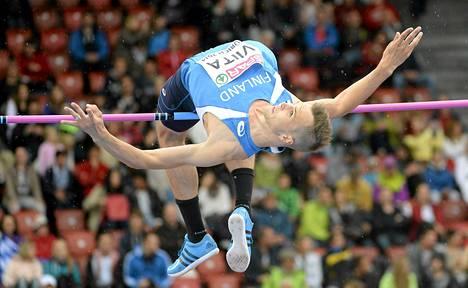 Jussi Viita ylitti korkeuden karsinnassa 223 senttiä.