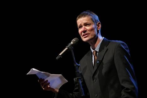 Juha Hurme peräänkuulutti sivistystä voittopuheessaan.