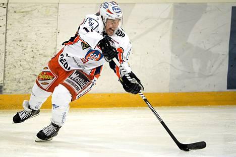 Ville Nieminen sai juhlia voittoa uransa 300. runkosarjapelin kunniaksi.