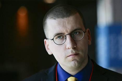 Perussuomalaisten nuorten puheenjohtaja Sebastian Tynkkynen