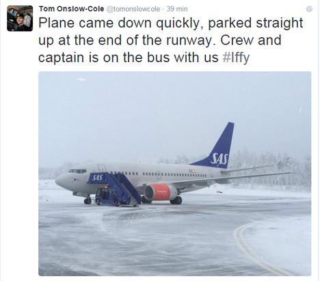 Ralliautoilija Tom Onslow-Cole julkaisi kuvan pommiuhan kohteena olleesta koneesta Twitterissä