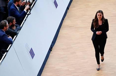 Pääministeri Sanna Marin saapui budjettihuippukokoukseen sen toisena päivänä Brysselissä.