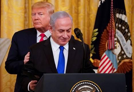 Donald Trump ja Benjamin Netanjahu esittelivät Trumpin Israel-suunnitelmaa tiedotustilaisuudessa Valkoisessa talossa tammikuun 28. päivänä.