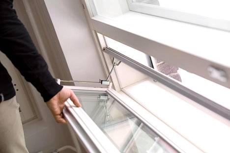 Uudisasunnon muuttotarkastuksessa käydään koko asunto läpi huolellisesti.