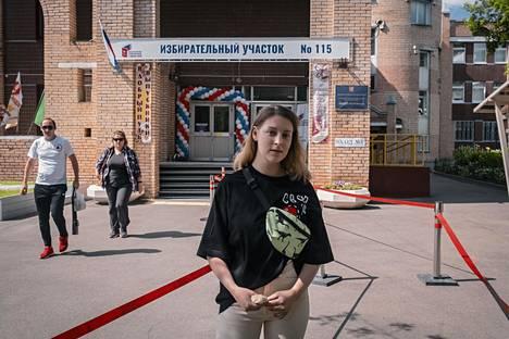 Opiskelija Jekaterina Vargina äänesti muutoksia vastaan.