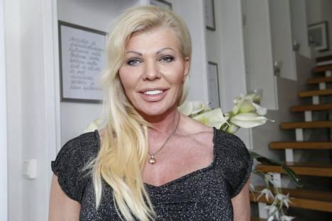 Tiina Jylhän yhtiö aikoo haastaa Huoltovarmuuskeskuksen käräjille. Haastehakemus on määrä jättää Helsingin käräjäoikeuden ratkaistavaksi.