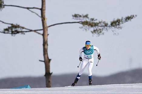 Krista Pärmäkoski jakoi pronssimitalin Norjan Marit Björgenin kanssa naisten 10 kilometrin vapaan hiihtotavan kilpailussa.