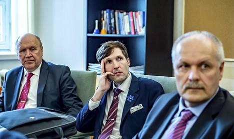 Mart Helme (vasemmalla) ja Martin Helme sekä Henn Põlluaas vuonna 2019.