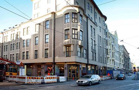 Tähän Yrjönkadun ja Ison Roobertinkadun kulmaan on avattu uusi Yes, Yes, Yes -ravintola.