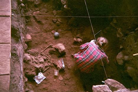 Shum Lakan kalliosuojasta Kamerunista on löytynyt muinaisten lapsivainajien luurankoja.