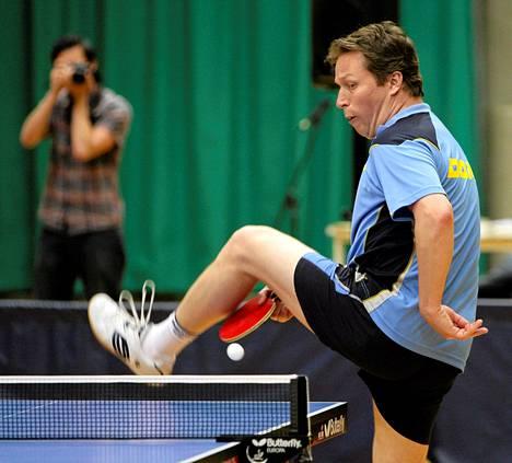 Ruotsalainen Jan-Owe Waldner pelasi Helsingissä näytösottelun vuonna 2010.