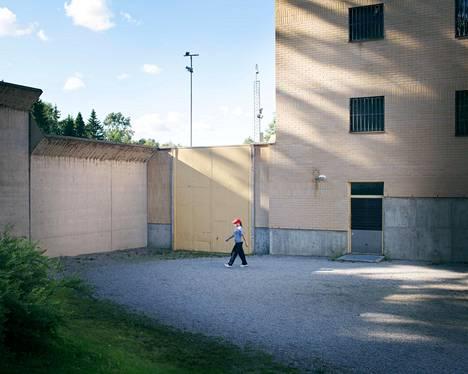 Oikeusministeriön mukaan Hämeenlinnan nykyisestä vankilasta ei ole mahdollista saada edes korjaamalla sellaista toiminnallista kokonaisuutta, joka palvelisi naisten vankeinhoidon tarpeita parhaalla mahdollisella tavalla.