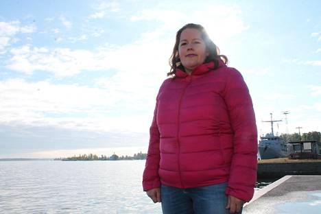 Jenni Pajunen on ensimmäisen kauden kaupunginvaltuutettu kokoomuksen riveissä.