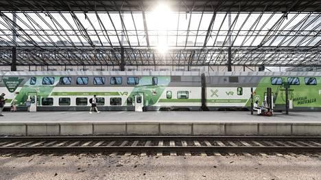 IC-juna Helsingin päärautatieasemalla.