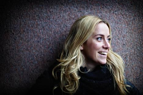 Iina Kuustonen näyttelee pääroolin Arctic Circle -rikossarjassa.
