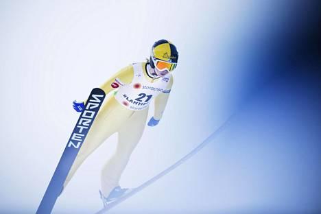 Julia Kykkänen ponnisti Lahdessa kotimäessään 24. helmikuuta 2017.
