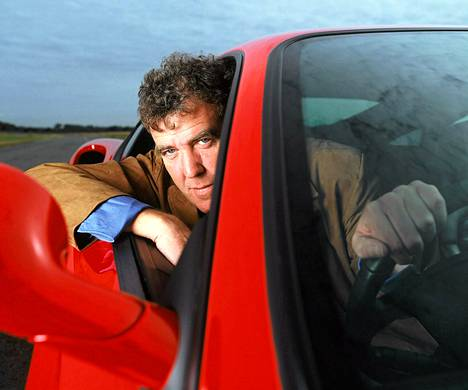 Jeremy Clarkson juontaa Top Gear -ohjelmaa.