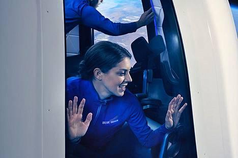 Blue Origin lupaa markkinoinnissaan isot maisemaikkunat.