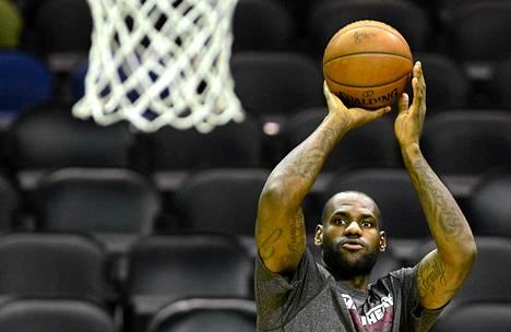 LeBron James harjoituksissa San Antoniossa kesäkuun puolivälissä.