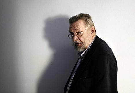 Matti Yrjänä Joensuu (1948 - 2011)