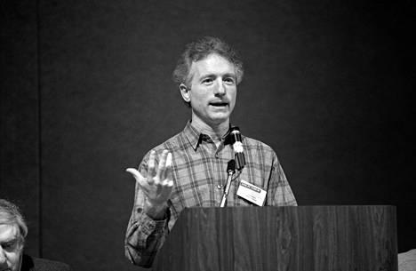 Larry Tesler kuvattuna Applen tietotekniikkafoorumissa Arizonassa vuonna 1990.