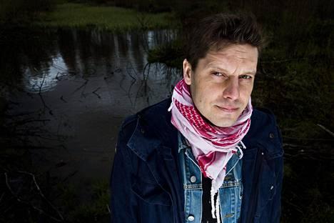 Kirjailija Aki Ollikainen toukokuussa 2015.