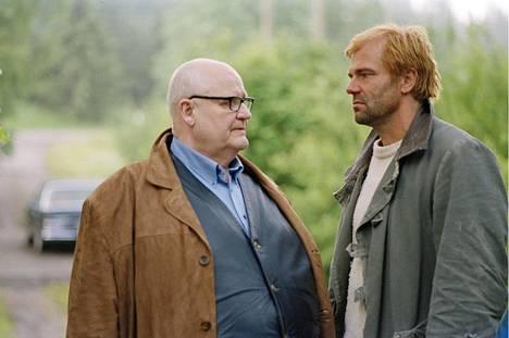 Oiva Lohtander (vas.) ja Kai Lehtinen näyttelivät Raidin keskeisimmät roolit.