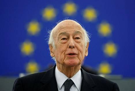 Giscard d'Estaing puhui Euroopan parlamentille vuoden 2009 tammikuussa.