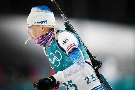 Kaisa Mäkäräinen ampumahiihdon naisten 10 kilometrin takaa-ajokilpailussa.