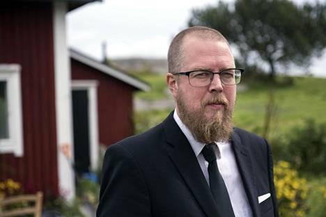 Tuomas Kyrö teki tilauksesta joukon minuutin mittaisia radioteoksia.