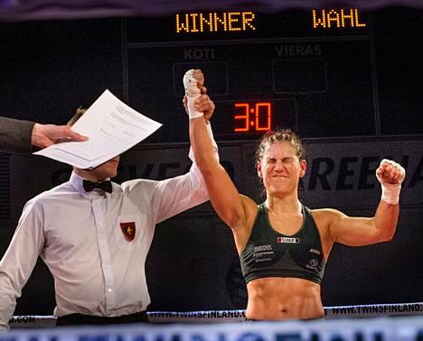 Voitto tasoitti Eva Wahlströmin tietä kohti mestaruusottelua.