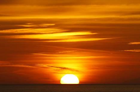 Valtaosa ihmisen aiheuttamasta lämpenemisestä on uponnut meriin.
